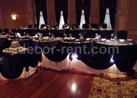 Black and White Head Table Decor.
