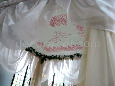Chuppah Ceiling in Ivory and Burgundy. (by AP CREATIONS)